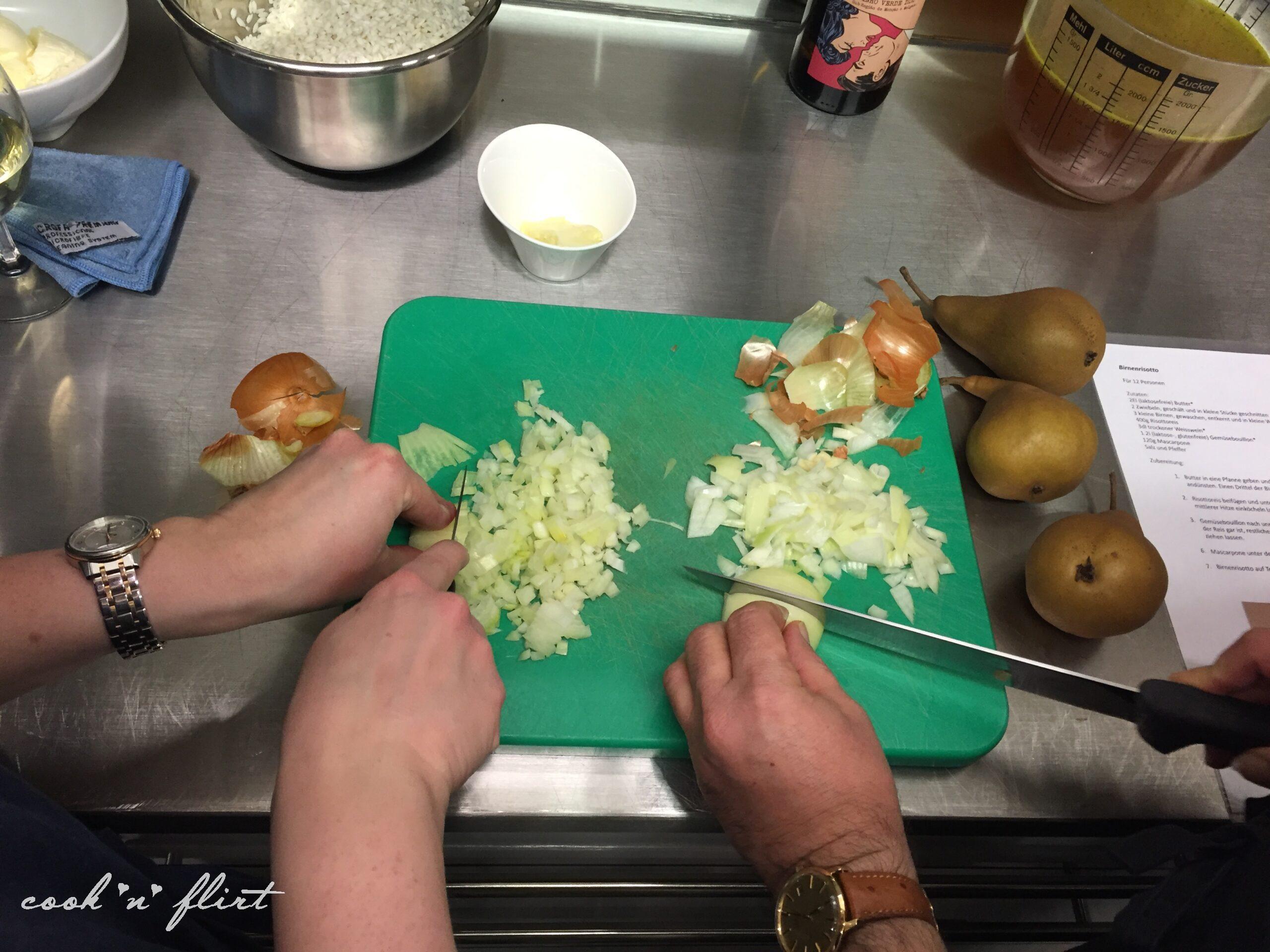 Cook 'n' Flirt am Gemüse rüsten